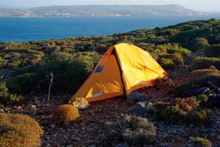 tent-on-a-lake.jpg (1024×685)